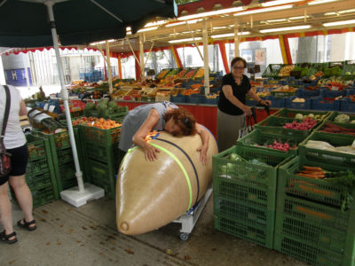 Bauernmarkt, Epoxy, 220x80x70cm, 2009