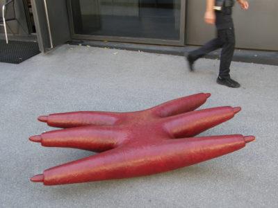 Kubcafe, Epoxy, 130x100x50cm, 2002